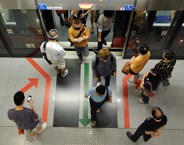 Spreading out the peak-hour MRT crowd